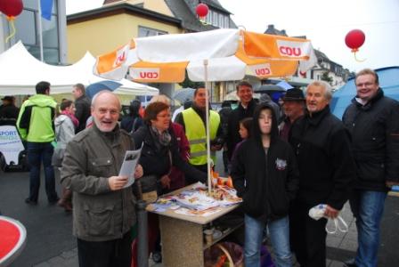 CDU Emmelshausen trotz(t) dem Regen beim Stadtfest